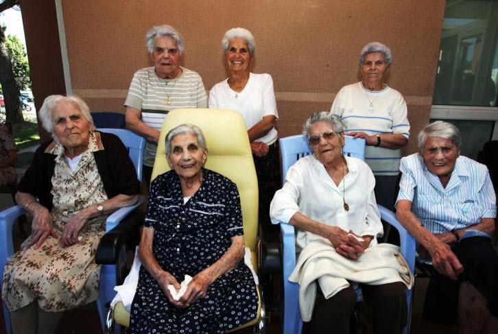 les centenaires en maison de retraite quel est leur secret cap retraite. Black Bedroom Furniture Sets. Home Design Ideas