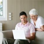 Former les personnes âgées aux nouvelles technologies
