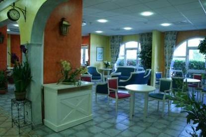 maisons de retraite dans le var 83 et ehpad cap retraite. Black Bedroom Furniture Sets. Home Design Ideas
