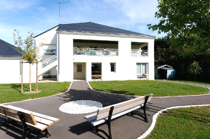 Maisons de retraite residence maison blanche st cyr sur for Aides pour maison de retraite