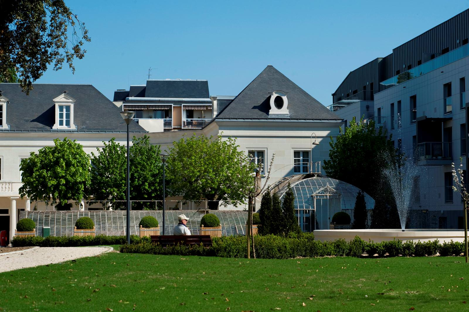 maisons de retraite le parc belmont tours 37. Black Bedroom Furniture Sets. Home Design Ideas