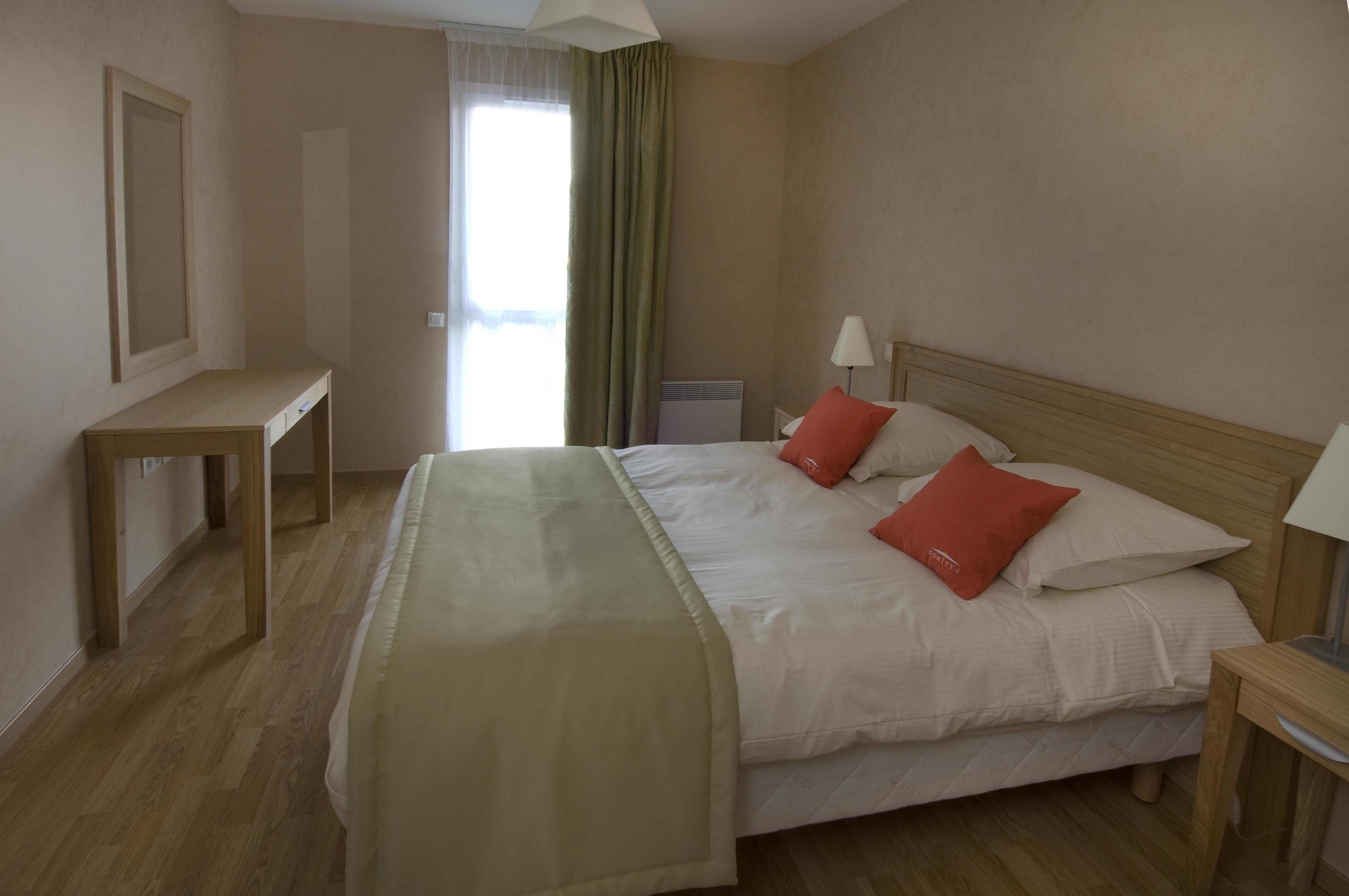 maison de retraite le vallon des bois le mans 72. Black Bedroom Furniture Sets. Home Design Ideas