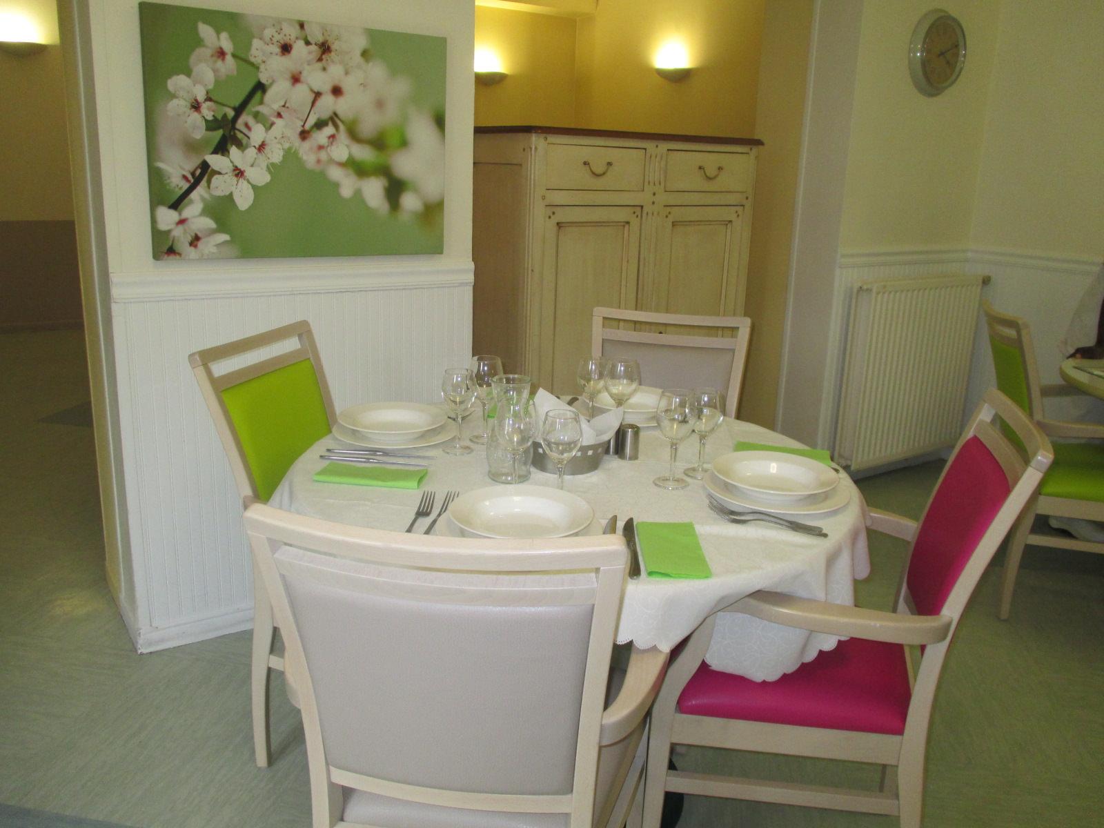 maison de retraite korian les acacias colombes 92. Black Bedroom Furniture Sets. Home Design Ideas