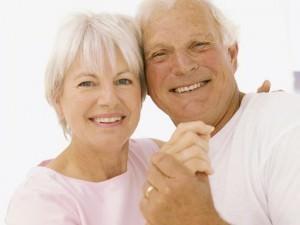 La sexualité maintient les facultés cognitives des personnes âgées