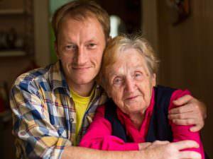 Maintien à domicile : assurer la protection des personnes âgées vulnérables