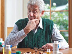 5 conseils contre les risques des médicaments chez les personnes âgées