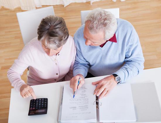 Choisir une maison de retraite : comment éviter de dépenser trop