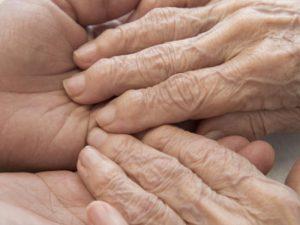 Toutes les stratégies pour bien communiquer avec le malade Alzheimer