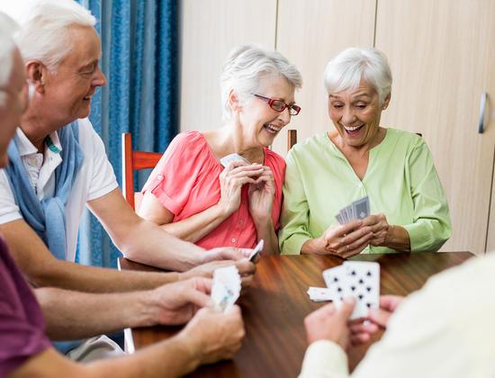 8 conseils pour bien visiter une maison de retraite