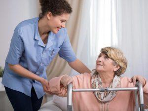 Comment choisir un service d'aide à domicile ?