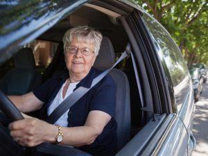 Seniors et permis de conduire : comment conduire en toute sécurité après 60 ans ?