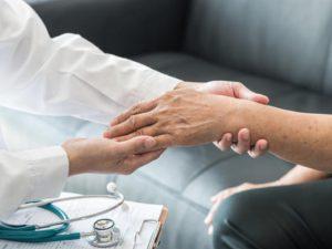 Ces traitements inutiles, voire dangereux pour les seniors