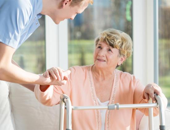 4 étapes pour trouver une maison de retraite en urgence