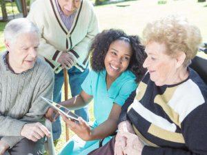 Quand la technologie s'invite en maison de retraite