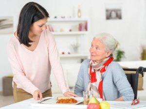 5 astuces pour stimuler l'appétit des seniors et éviter la dénutrition