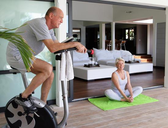 Seniors : 4 activités physiques pour garder la forme en hiver