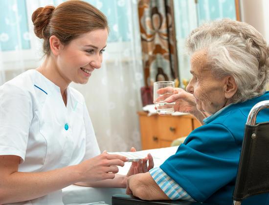 Mieux connaître le rôle de l'aide-soignante en Ehpad