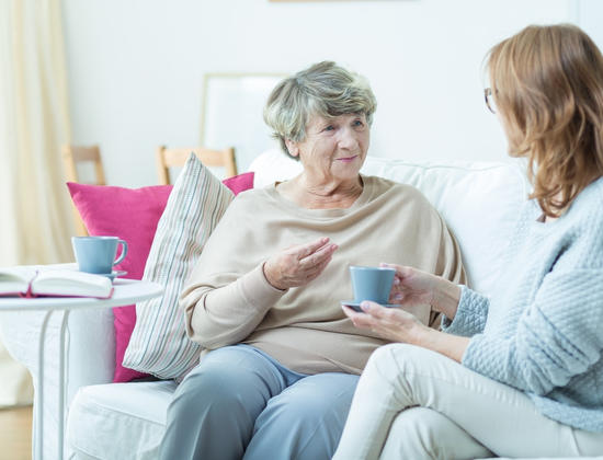 5 conseils pour mieux communiquer avec les personnes âgées