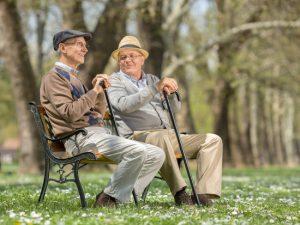 Connaître les différences entre les maisons de retraite privées et publiques