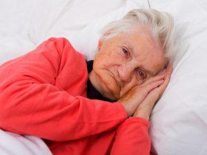 Alzheimer et sommeil : comment soulager les troubles du sommeil