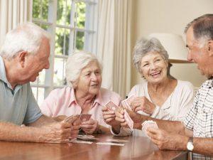 Seniors : comment se faire des amis après 65 ans