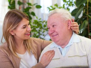 Maladie d'Alzheimer : comment évoquer vos craintes avec un proche âgé