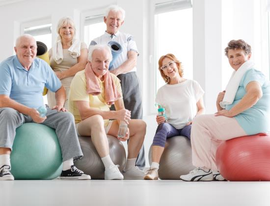 5 bonnes résolutions pour améliorer le bien-être des seniors