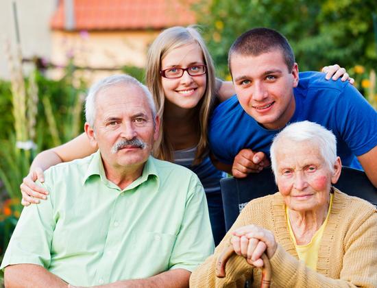 Comment aider votre proche âgé à garder son indépendance ?