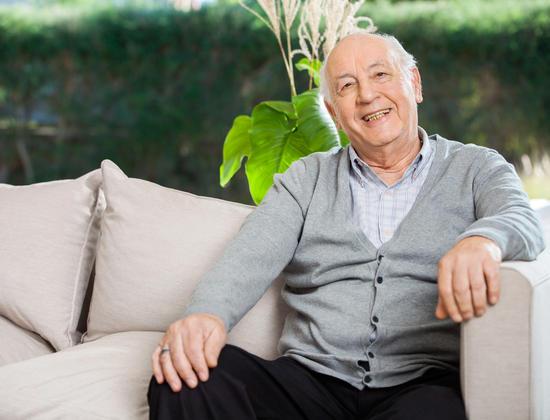 5 astuces pour parler d'un accueil en Ehpad avec votre père âgé