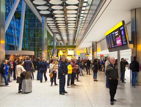 Nouvelle tendance : des aéroports adaptés aux voyageurs Alzheimer