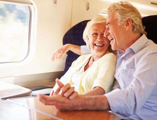 La carte Senior SNCF : comment se déplacer à petits prix