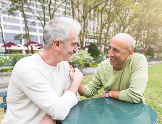 Les personnes LGBT ont-elles une place en maison de retraite ?