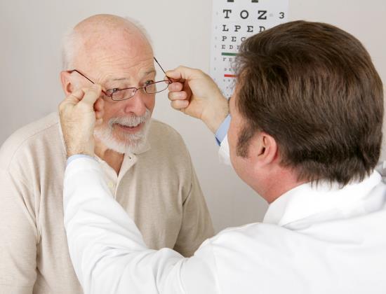 Santé visuelle des seniors en Ehpad : les opticiens arrivent !