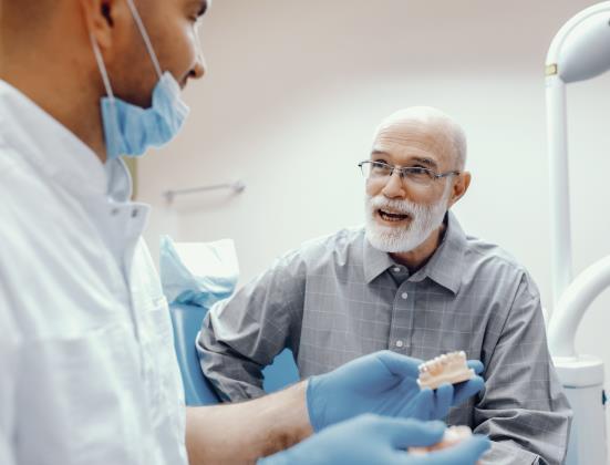 Tout savoir sur les prothèses dentaires pour les seniors
