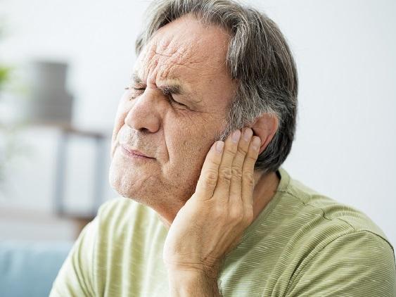 Les acouphènes : symptômes et traitements