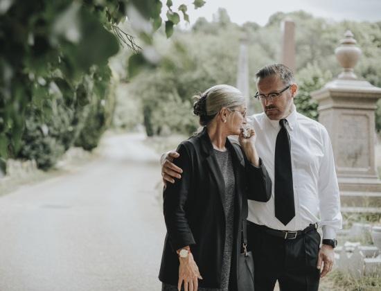 Aidants : 7 conseils pour soutenir un parent endeuillé