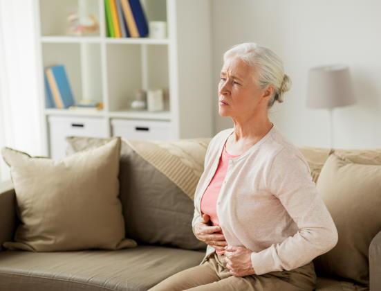 Diverticulose et diverticulite : causes, symptômes et traitement