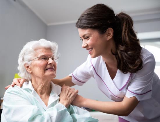 Métiers du grand âge : l'élaboration d'un Plan de mobilisation est lancée