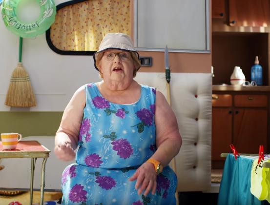 « La Minute Vieille » : des blagues grivoises revisitées par les aînées