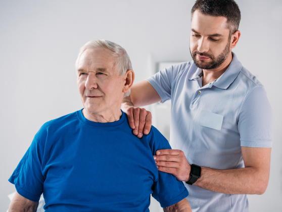 Autonomie des personnes âgées : le rôle clé du kinésithérapeute