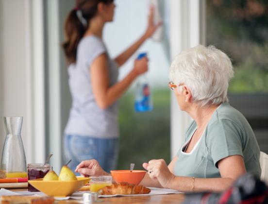 Aide à domicile : vers un versement direct de l'APA?