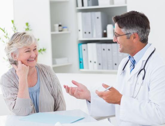 Seniors : tout savoir sur la Complémentaire santé solidaire