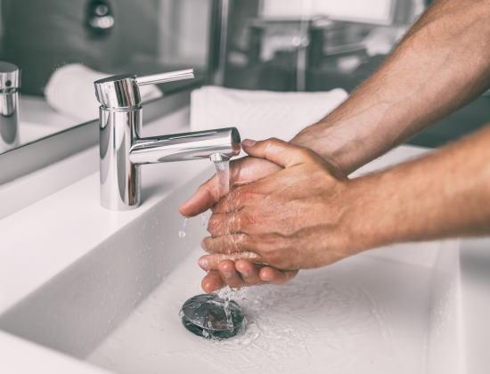 Maintien à domicile : 7 précautions pour se protéger du coronavirus